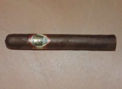 Long Live the King Petit Double Wide Short Churchill by Caldwell Cigar Company